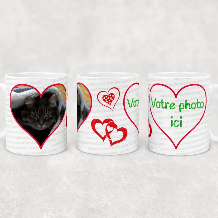 Tasse avec 2 grands coeurs à personnaliser avec vos photos à l'intérieur des ces coeurs